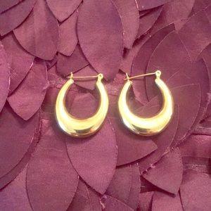 Jewelry - Beautiful 14k stamped gold earrings